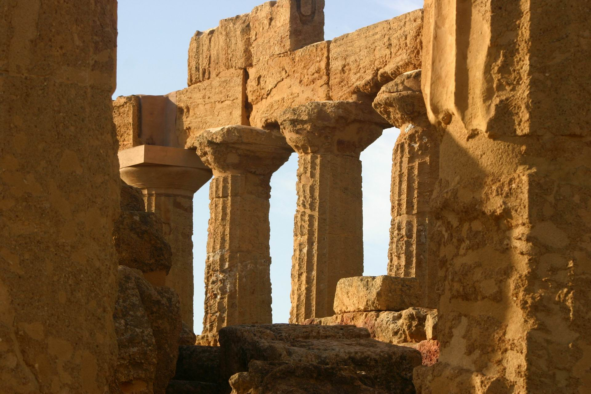 details-of-valley-of-the-temples-agrigento.jpg
