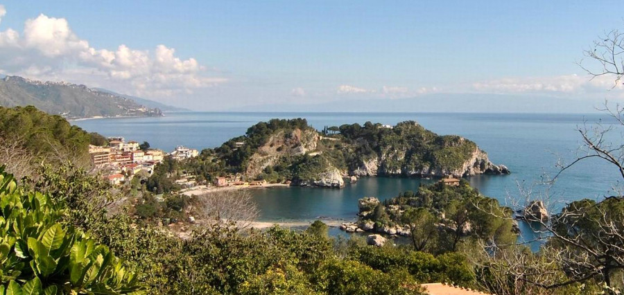 Archaeological and landscape tour: Taormina, Isola Bella and Giardini Naxos bay