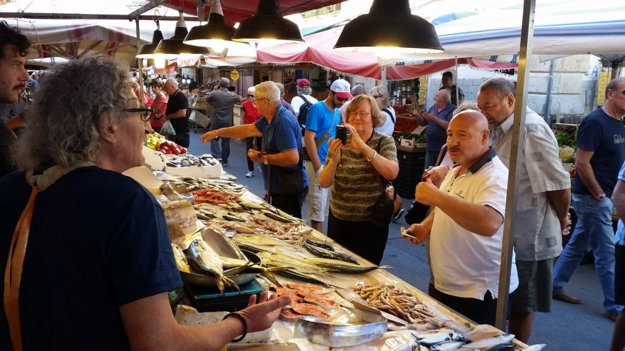 At the market of Ortygia with the Chef