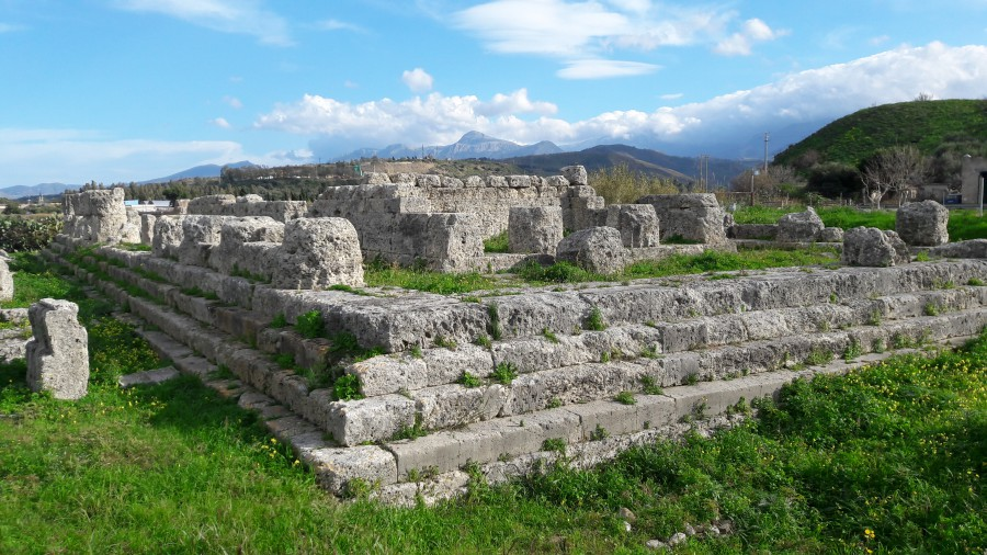 Solunto and Himera: an off the beaten archaeological track from the Phoenicians to the Greeks