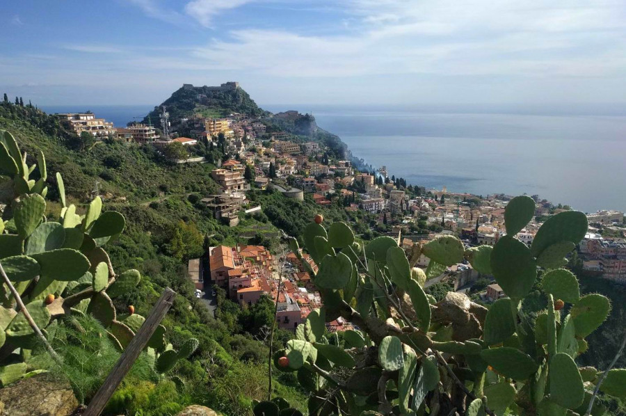 The Path of the Saracens: urban trekking in Taormina and Castelmola