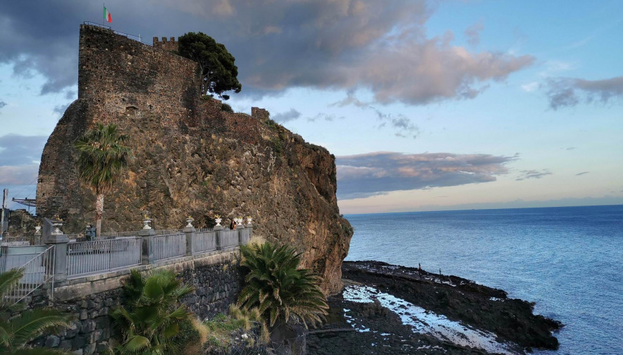 Catania and the Cyclops Coast (Aci Castello and Aci Trezza)